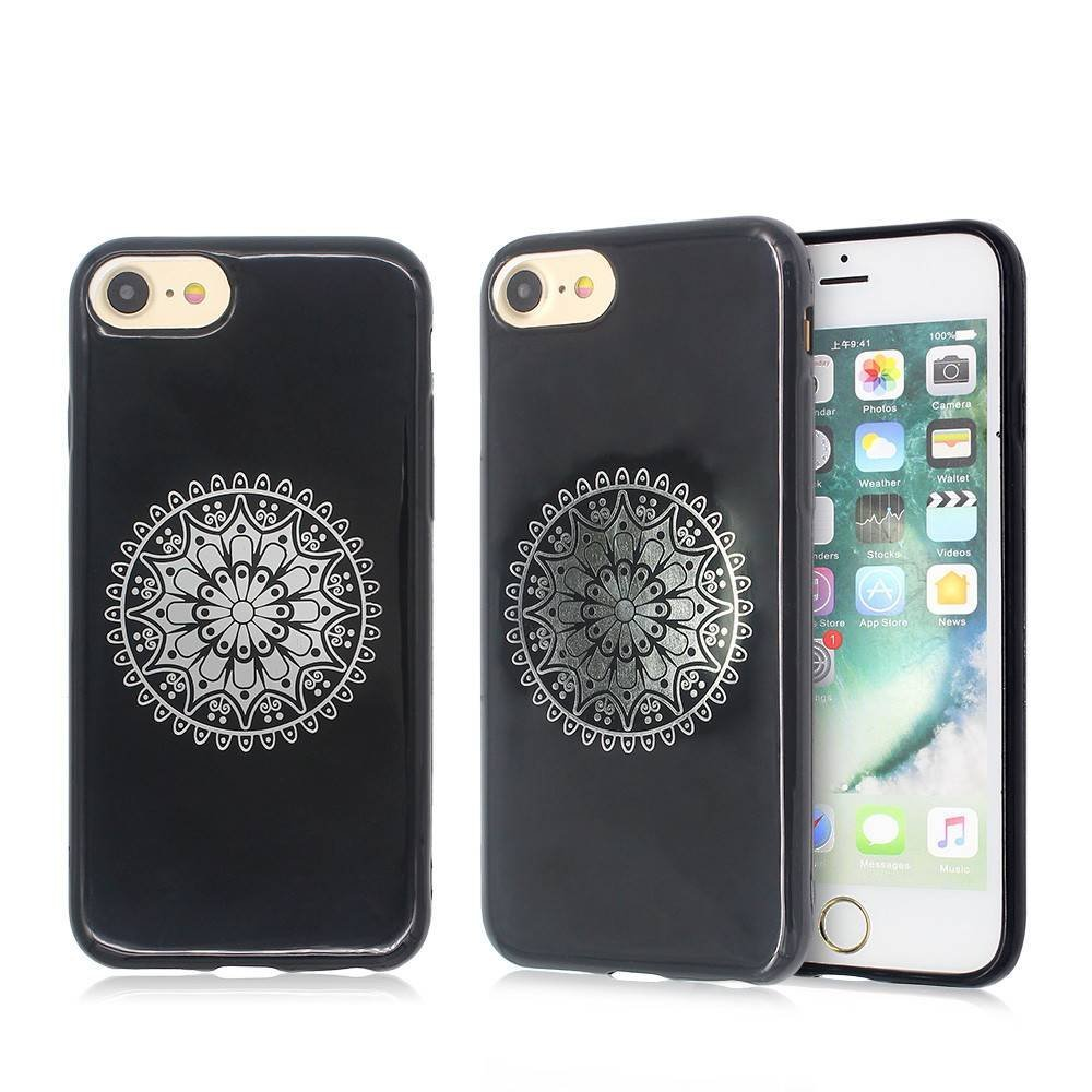 iPhone 6 and 7 Case with Bronzed Artworks Made of TPU